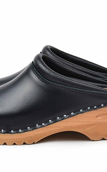 REMBRANDT black vegan clogs